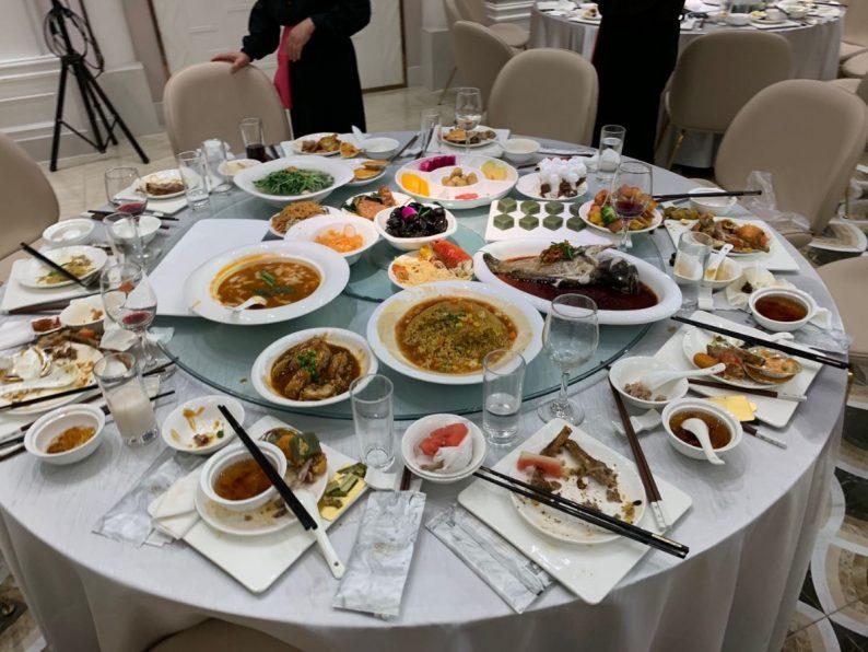 北京日报批婚宴浪费,宴会套餐规模将迎巨变  第1张