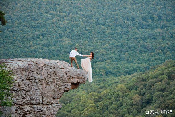 真拼命……新娘在悬崖边缘上拍婚纱照  第3张