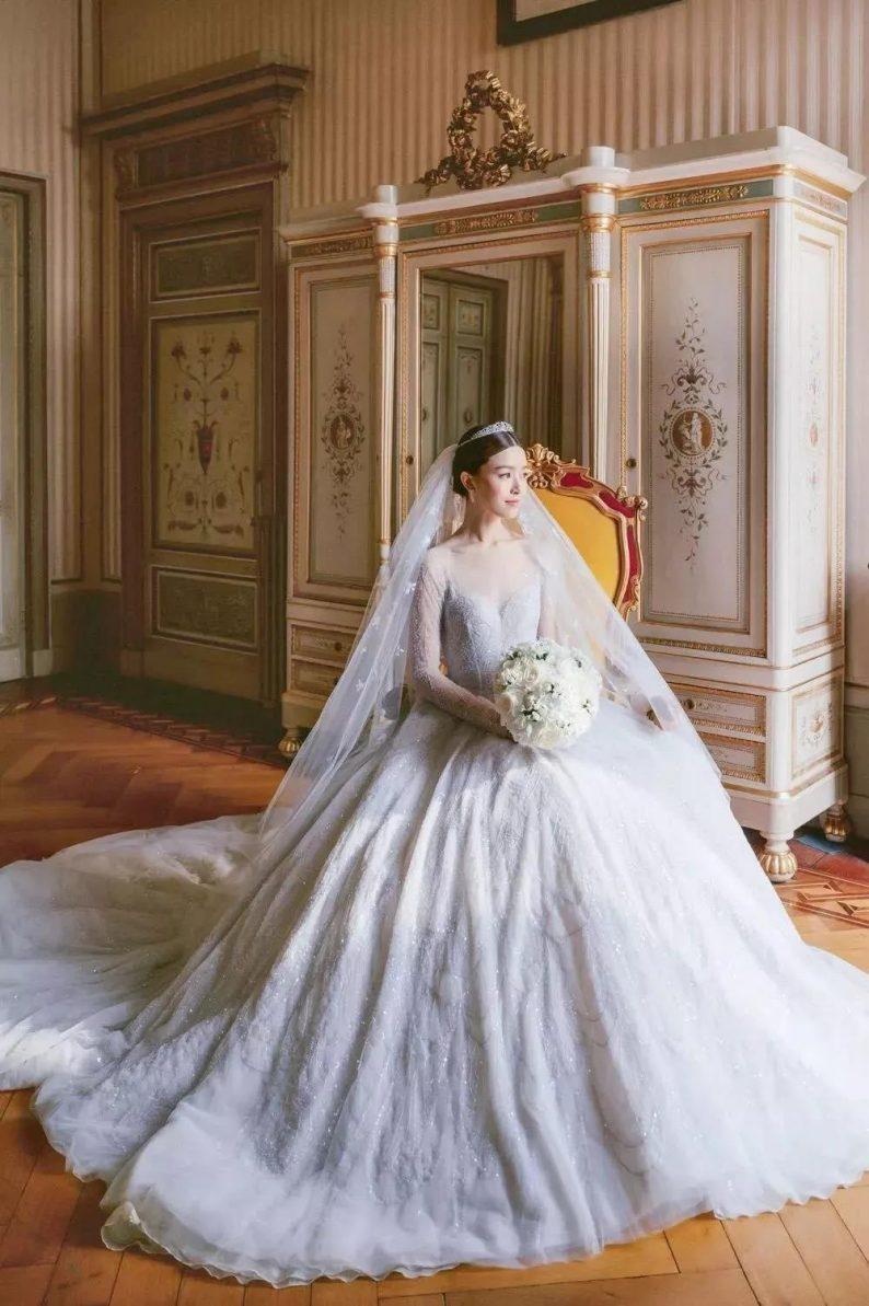美出画的婚纱头纱,助你惊艳婚礼现场!  第5张