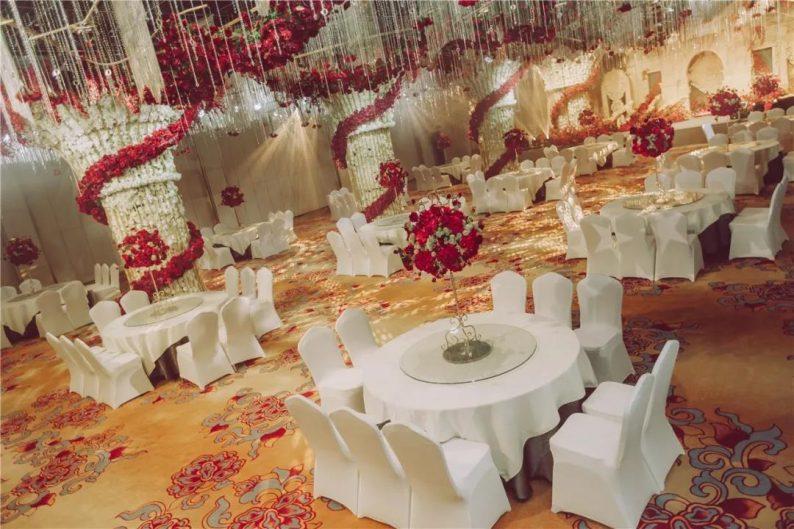 婚礼堂发布:1万平米8大宴会厅!九江首家婚礼主题宴会酒店  第7张