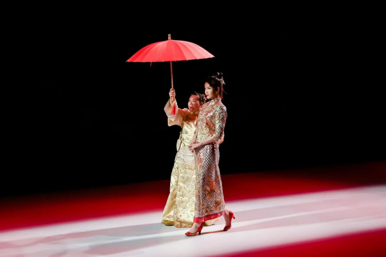 """非遗""""嫁""""给时尚!最美中式嫁衣亮相2020广东时装周  第7张"""