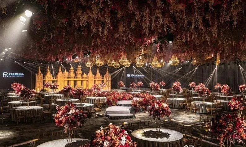 婚礼堂发布:360度沉浸式全息,江都百万婚礼宴设场地  第1张