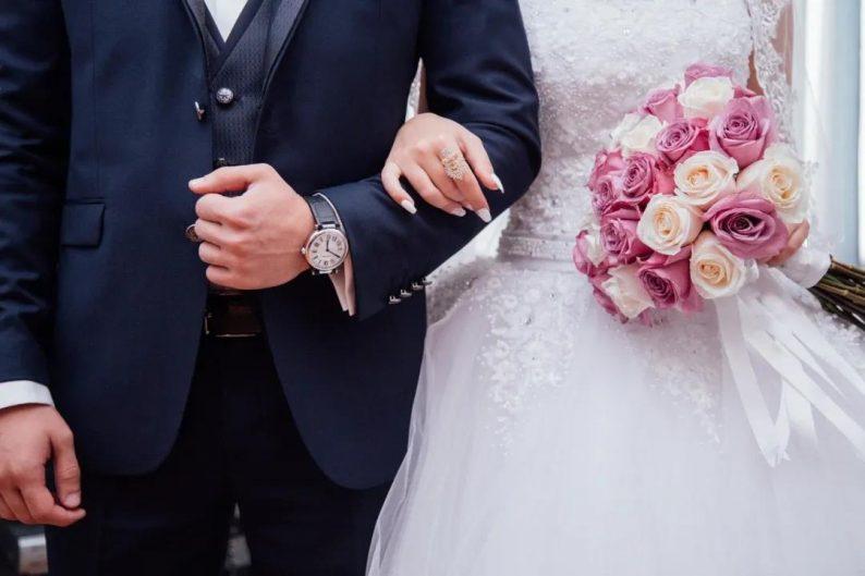 """95后成为""""盼婚族"""",婚礼到底要花多少钱?  第13张"""