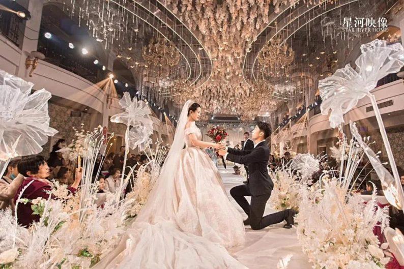 婚礼堂发布:徐丹又一力作!喜宴楼连开两店,打造百万婚礼殿堂  第19张