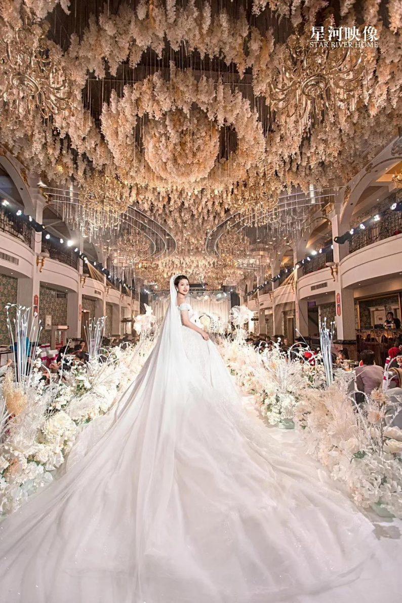 婚礼堂发布:徐丹又一力作!喜宴楼连开两店,打造百万婚礼殿堂  第20张