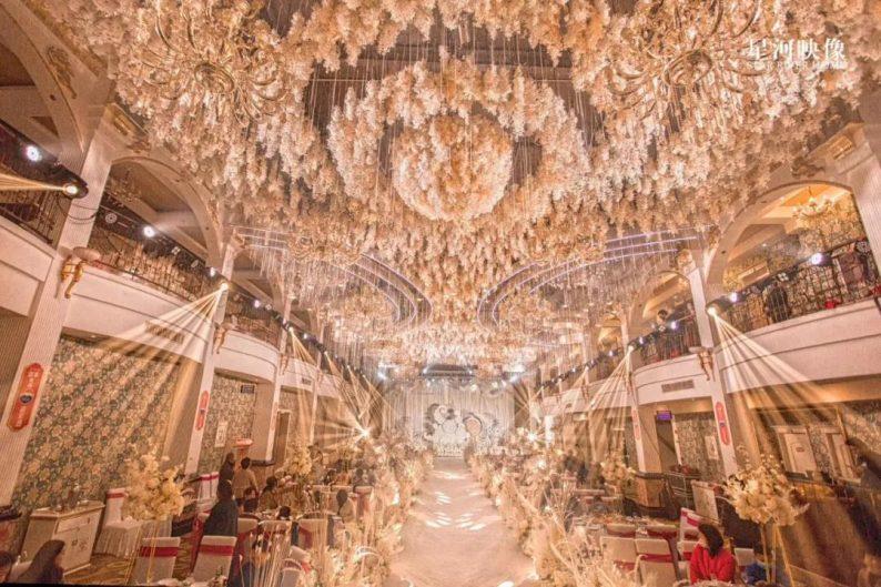 婚礼堂发布:徐丹又一力作!喜宴楼连开两店,打造百万婚礼殿堂  第21张