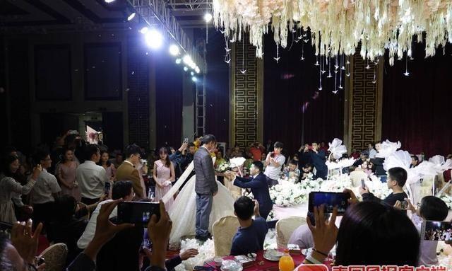 """双节黄金周酒店婚宴""""一桌难求""""!  第4张"""