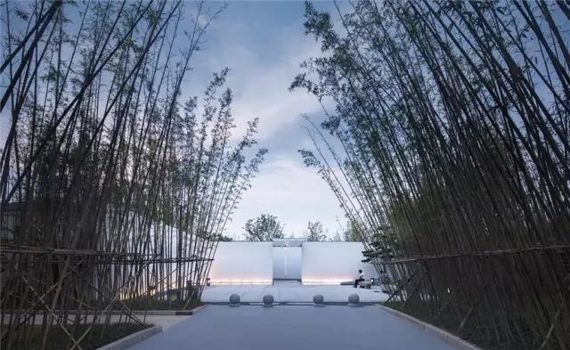 占地6000平米!白色园林建筑,举办婚礼的IP圣地  第3张