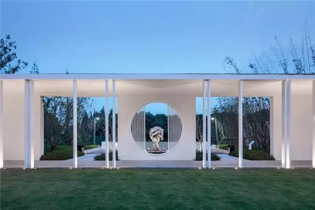 占地6000平米!白色园林建筑,举办婚礼的IP圣地  第4张