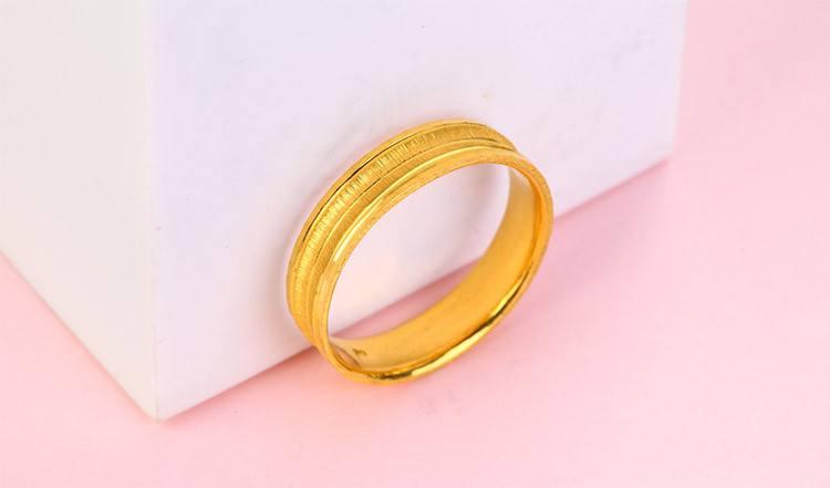 受益于婚庆刚性市场需求,我国珠宝行业增长明显