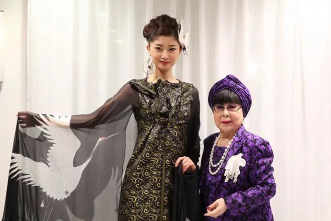 """88岁的""""万年少女""""!她一生只设计一种服装——婚纱  第10张"""