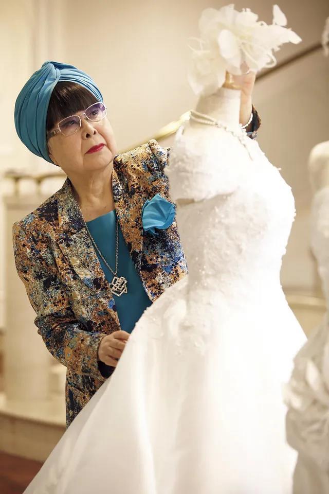 """88岁的""""万年少女""""!她一生只设计一种服装——婚纱  第19张"""