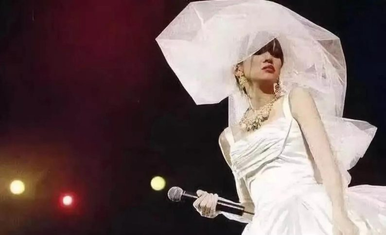 """88岁的""""万年少女""""!她一生只设计一种服装——婚纱  第28张"""