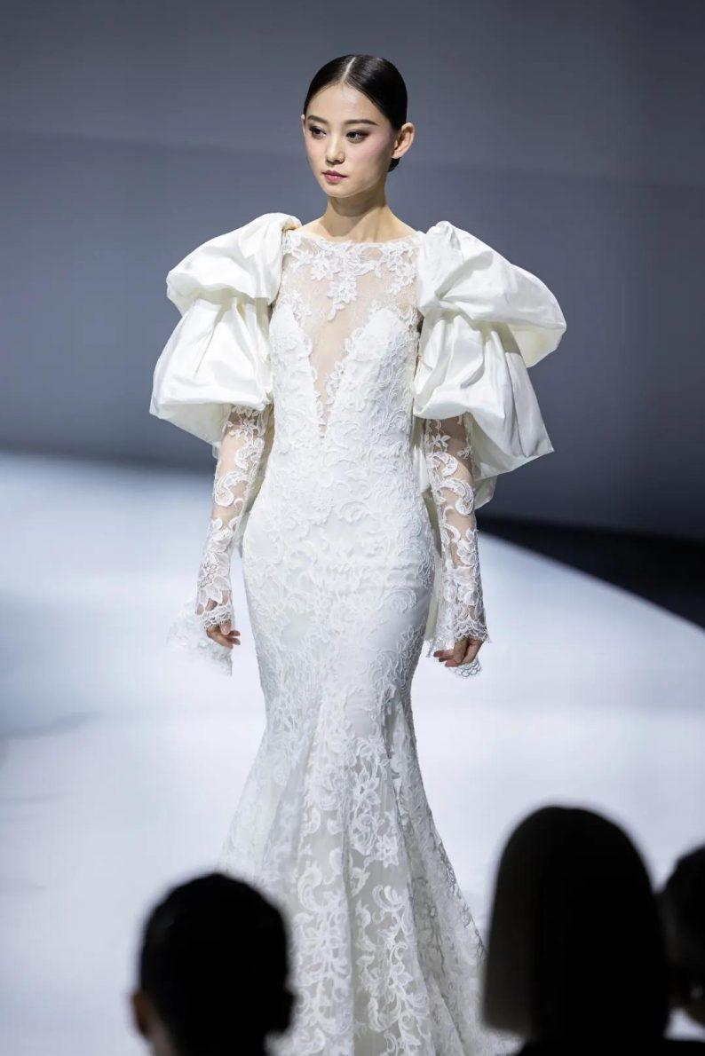 直击现场 | 全球顶级奢华婚纱亮相上海时装周  第11张
