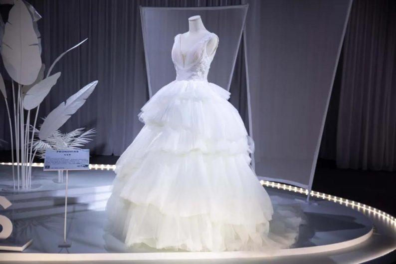 直击现场 | 全球顶级奢华婚纱亮相上海时装周  第15张