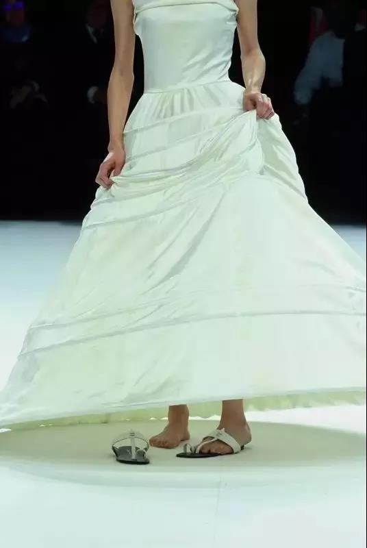 抛弃限制,你最想要的婚纱到底什么样?  第9张