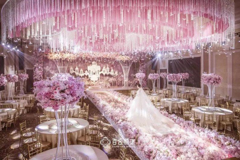 婚礼堂发布:斥资百万打造!天津4000平婚礼圣殿  第14张