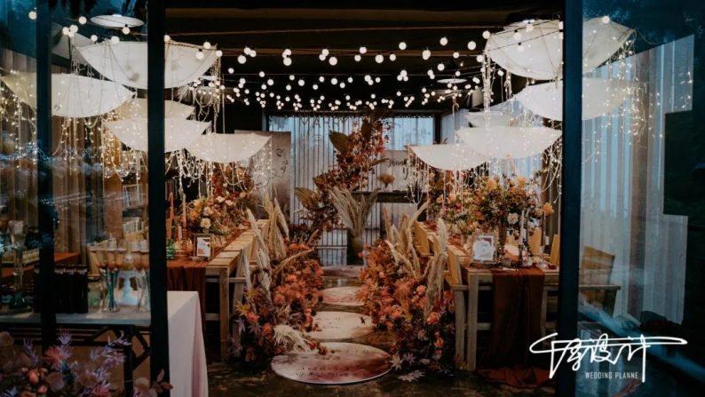 小而精致!秋冬小型婚礼灵感分享  第12张