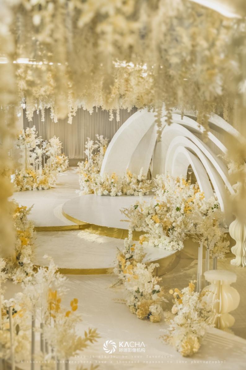 婚礼堂发布:三线城市改造升级,一中一西两种风格!  第9张