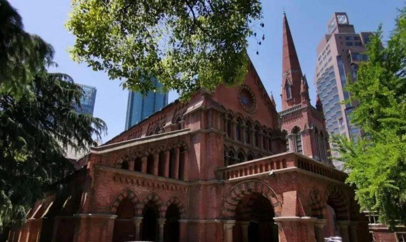 """建成于1869年,上海滩的""""红礼拜堂"""""""