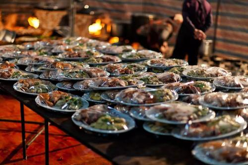 两代人的婚宴:从吃饱到吃好,从流水席到特色婚宴  第3张