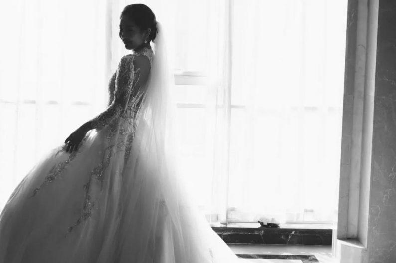 秋冬婚礼超全Tips!保暖的同时做最美的新娘  第4张