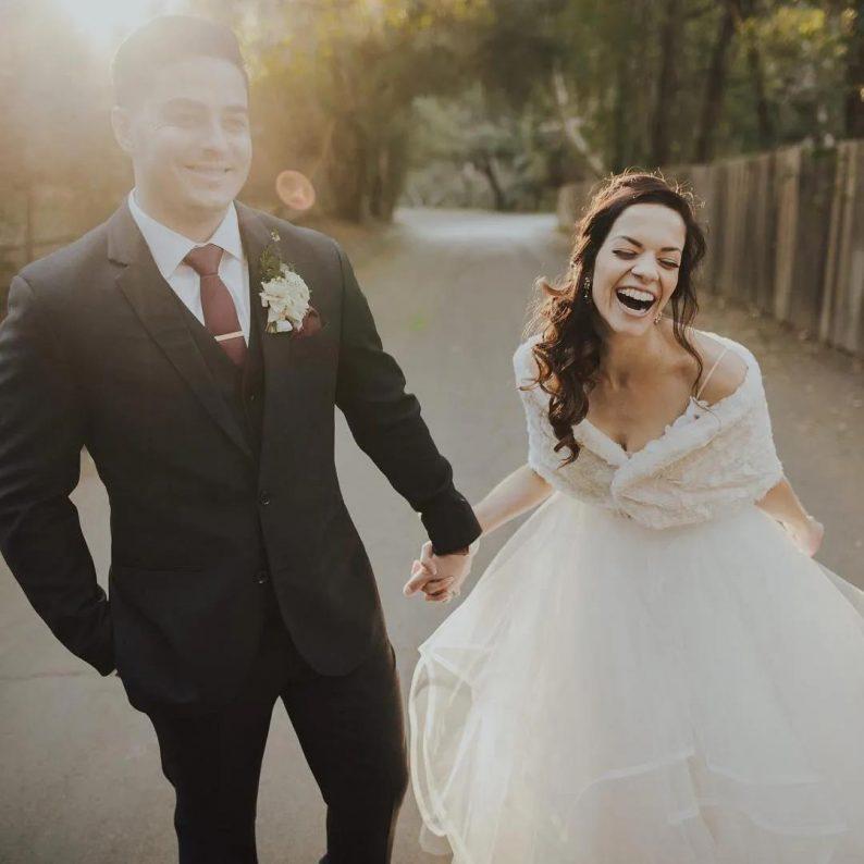 秋冬婚礼超全Tips!保暖的同时做最美的新娘  第9张