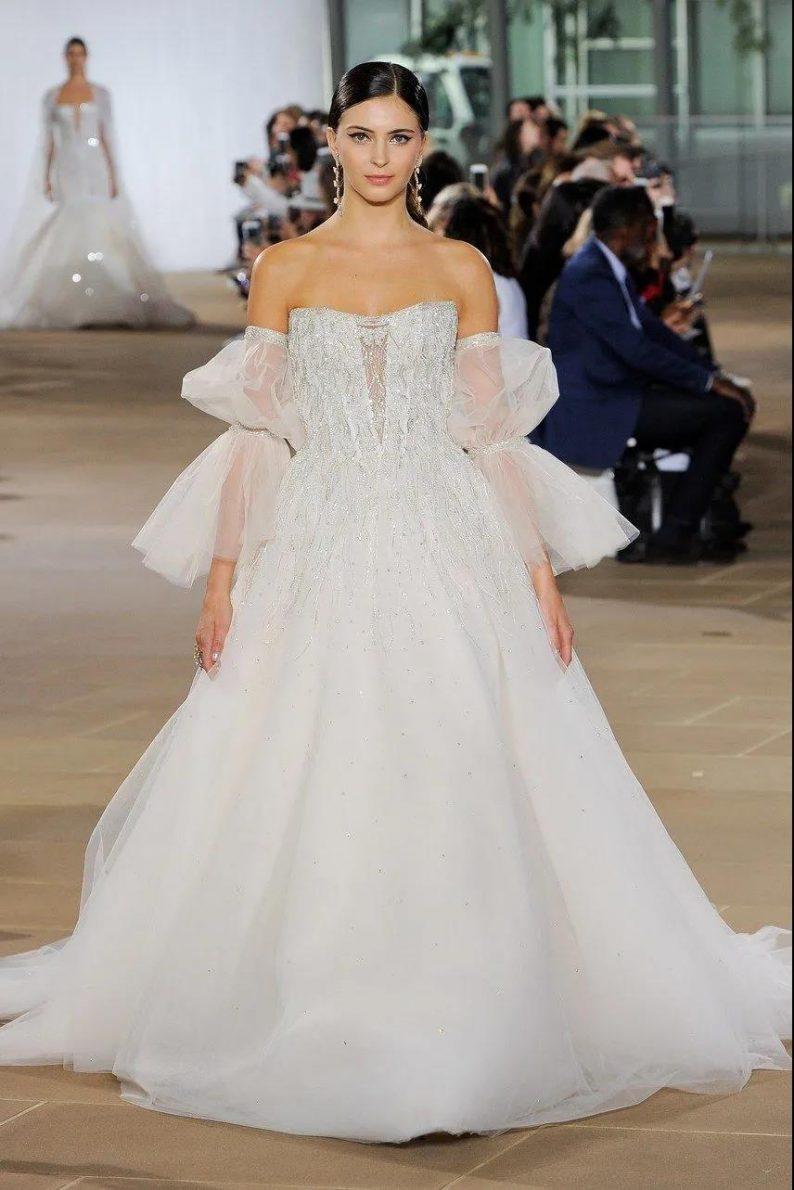 纽约新娘时装周:2021年秋冬婚纱最新系列  第6张