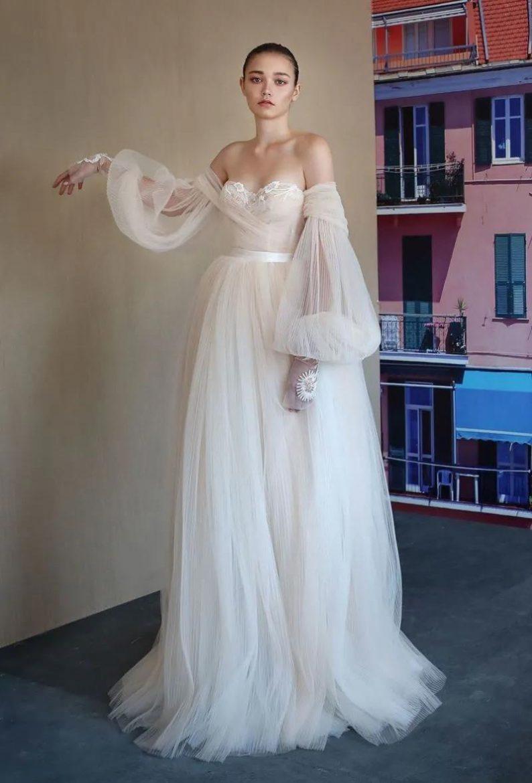 纽约新娘时装周:2021年秋冬婚纱最新系列  第8张