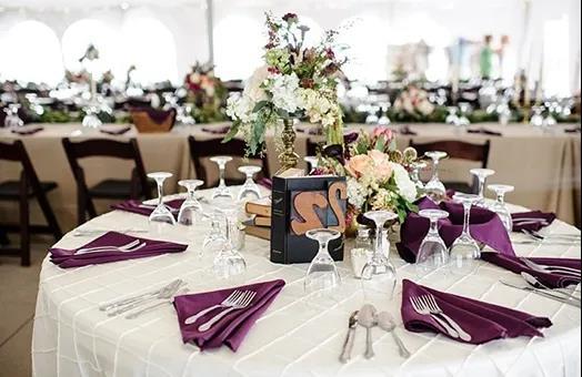 婚礼堂风生水起,传统宴会酒店如何保有一席之地?  第1张