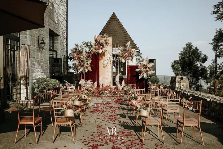 婚礼座位安排攻略:容易得罪人的几个雷点,千万别踩!  第15张