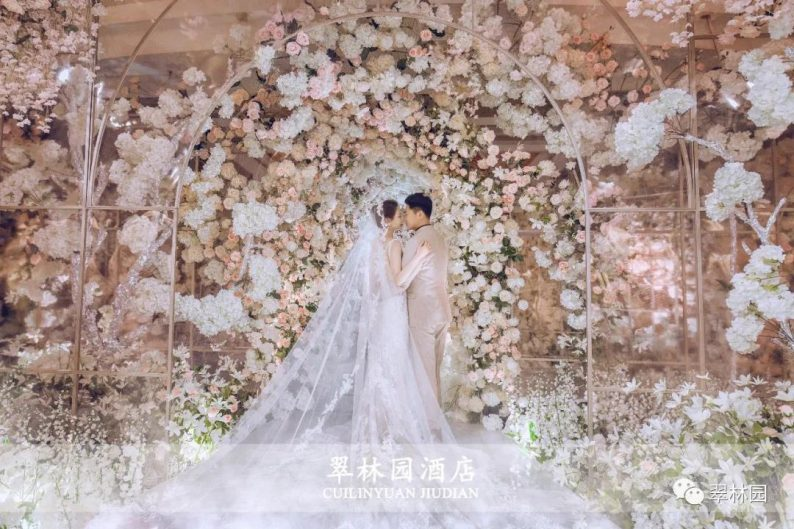 婚礼堂发布:鞍山推出首家灵动水景百万婚礼堂  第5张