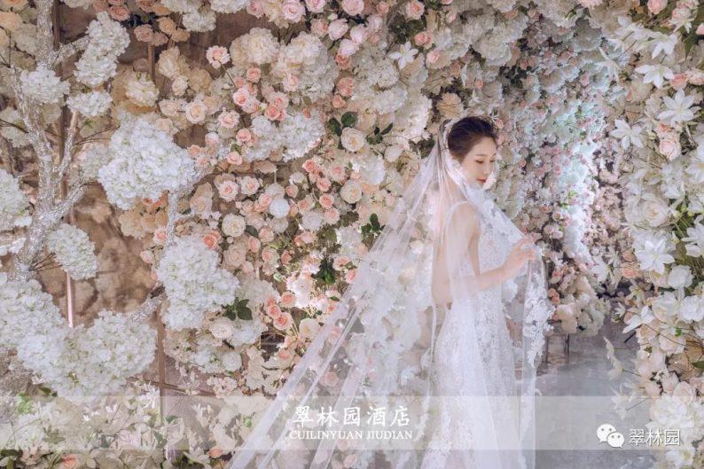 婚礼堂发布:鞍山推出首家灵动水景百万婚礼堂  第10张