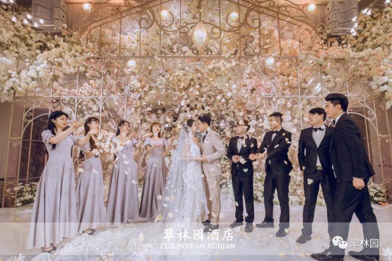 婚礼堂发布:鞍山推出首家灵动水景百万婚礼堂  第11张