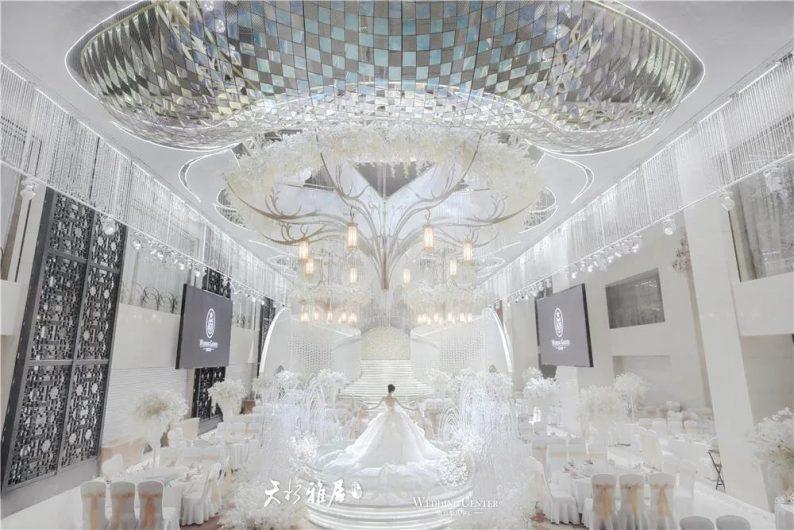 婚礼堂发布:千万匠心打造!10米挑高剧院式宴会厅  第3张