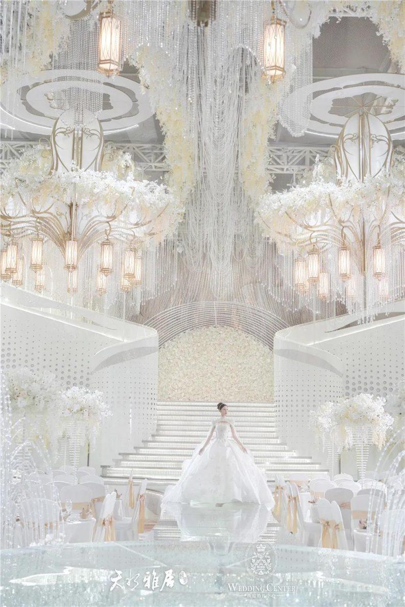 婚礼堂发布:千万匠心打造!10米挑高剧院式宴会厅  第4张