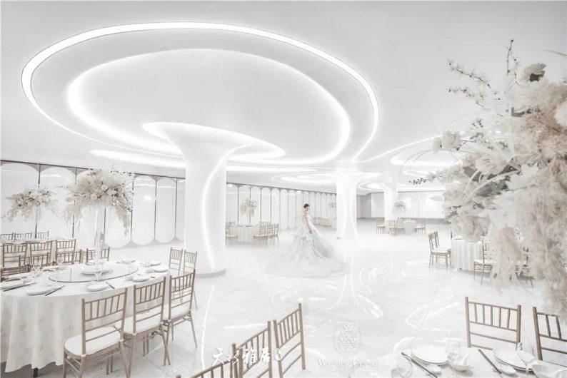 婚礼堂发布:千万匠心打造!10米挑高剧院式宴会厅  第12张