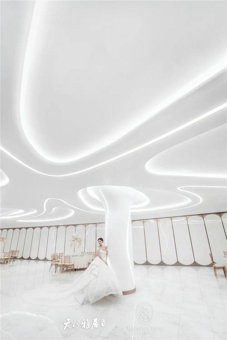 婚礼堂发布:千万匠心打造!10米挑高剧院式宴会厅  第13张