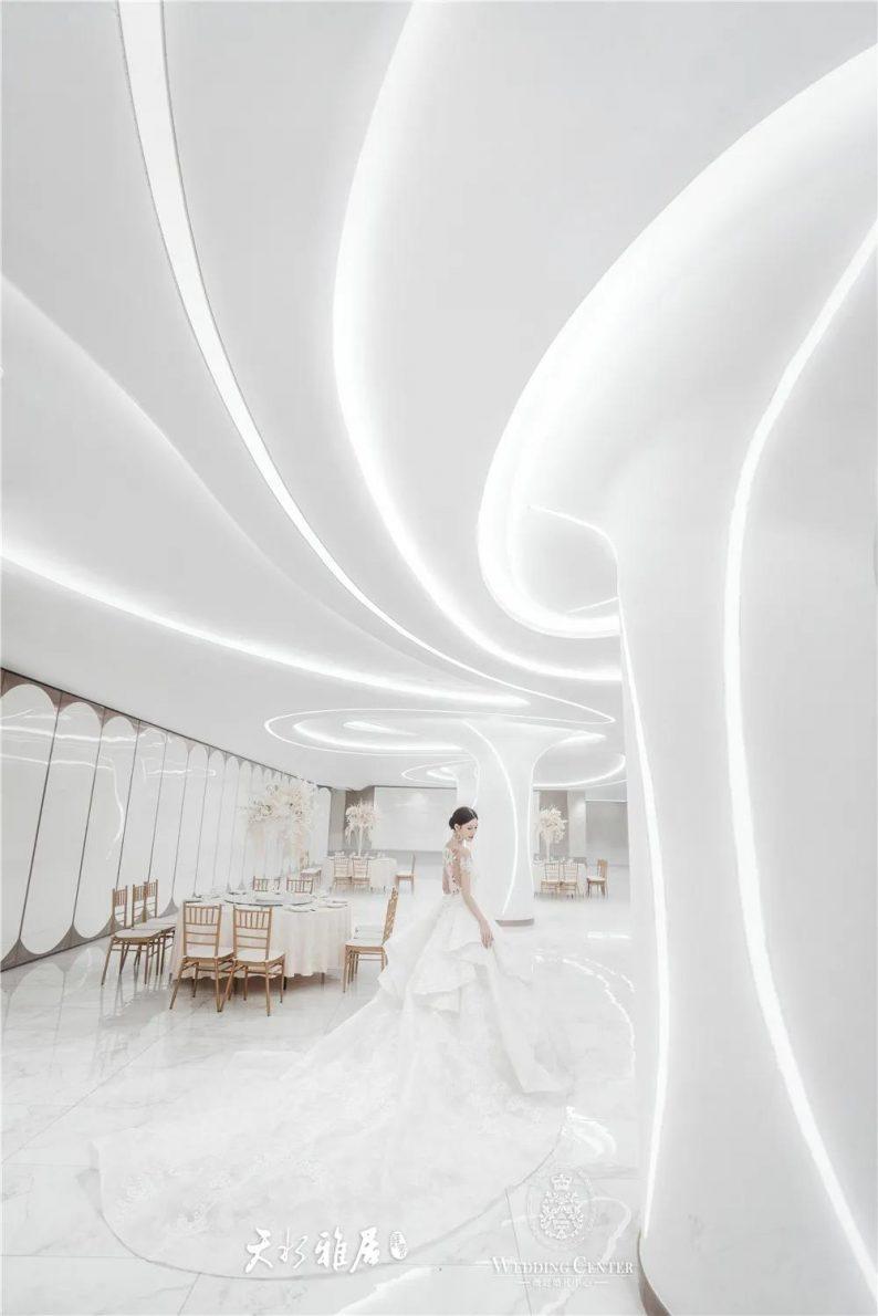 婚礼堂发布:千万匠心打造!10米挑高剧院式宴会厅  第16张