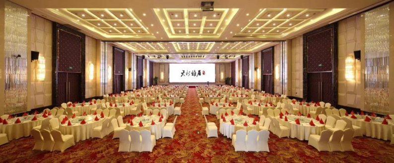 婚礼堂发布:千万匠心打造!10米挑高剧院式宴会厅  第17张
