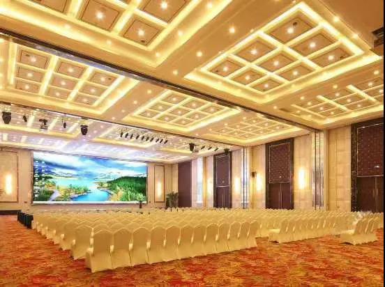 婚礼堂发布:千万匠心打造!10米挑高剧院式宴会厅  第18张
