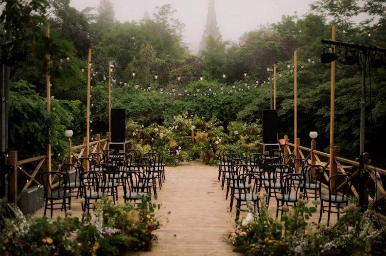 花漾婚礼堂:岛城首个湖畔&木屋婚礼场地  第18张