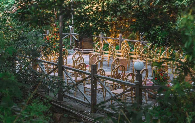 花漾婚礼堂:岛城首个湖畔&木屋婚礼场地  第13张