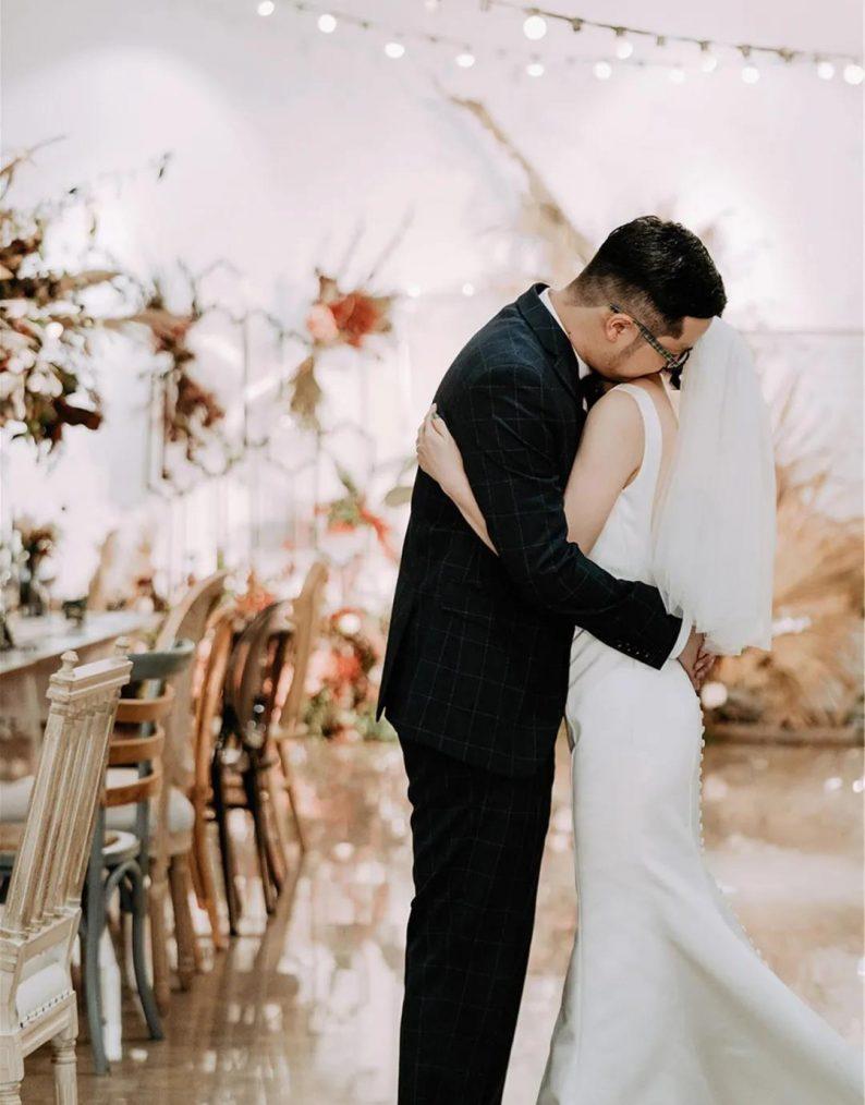 火遍抖音小红书!高逼格还自带艺术气息的超小众婚礼现场  第25张