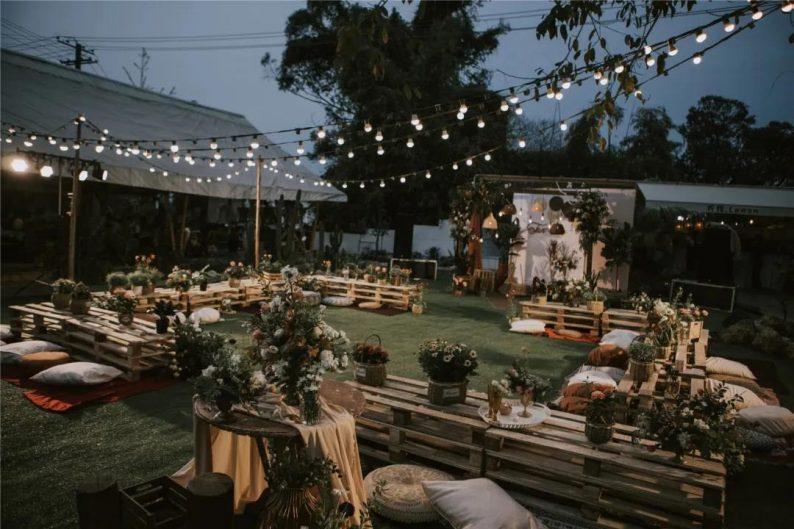 火遍抖音小红书!高逼格还自带艺术气息的超小众婚礼现场  第30张