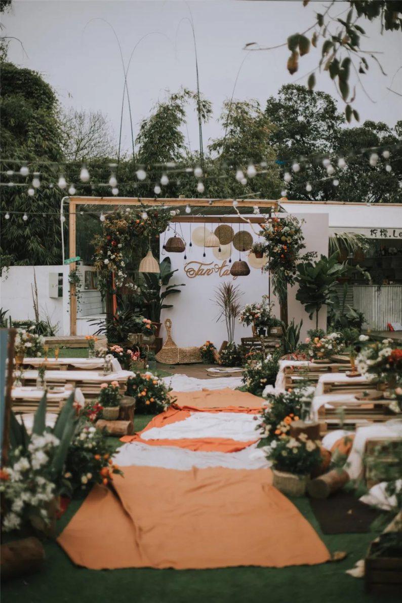 火遍抖音小红书!高逼格还自带艺术气息的超小众婚礼现场  第32张
