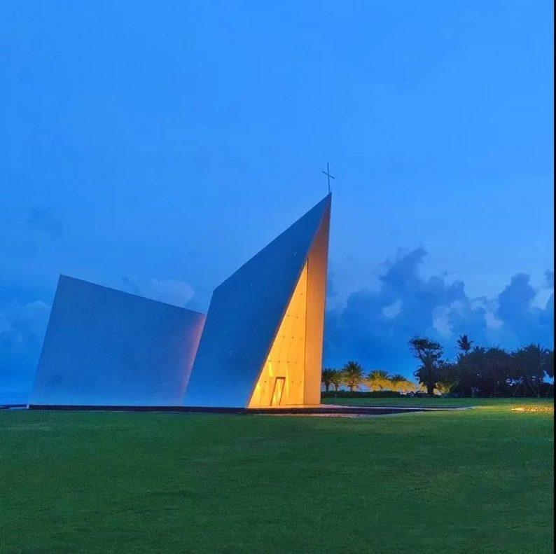 婚礼堂发布:全国唯一热带临海教堂!日月湾海岛婚礼艺术中心