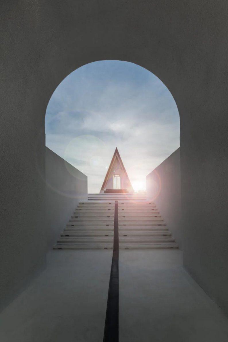婚礼堂发布:最美礼堂设计!三亚保利浅海时光里追光礼堂  第17张