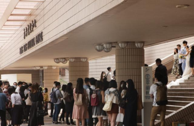 零收入、零资助!香港婚礼界:被迫兼职以维持婚礼这门生意  第2张