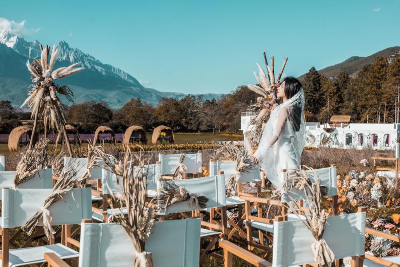 婚礼堂发布:雪山下的圣洁礼堂,丽江婚礼新地标  第28张